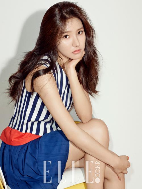 0a7fe89603b 1507 Kim So Eun ELLE Korea(2)