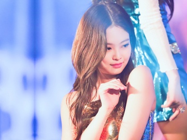1811 BLACKPINK - In Your Area(3) Jennie